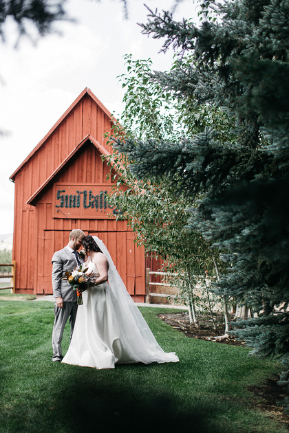 Ian & Katie's destination wedding photos at the Sun Valley Barn in Idaho
